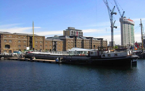 Floating Gallery Venue In London For Hire