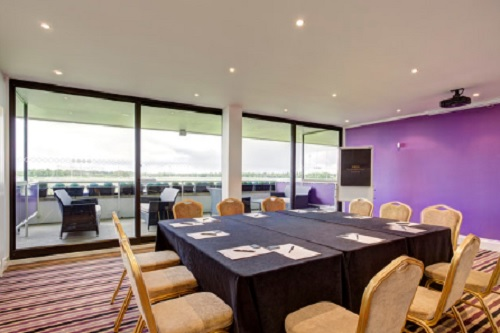 Kempton Park Racecourse - Best Venues London